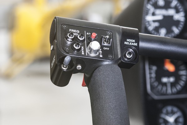 r66-cargo-hook-left-cyclic-controls